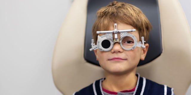 Ангиопатия сетчатки у ребёнка: основные виды и симптомы
